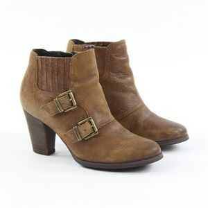 Clarks Alpine Icy Buckle Side Zip Ankle Booties 7